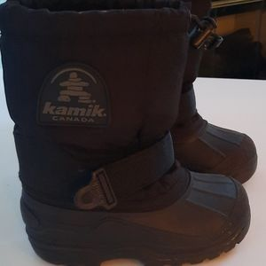 Kamikaze kids size 11 snow boots